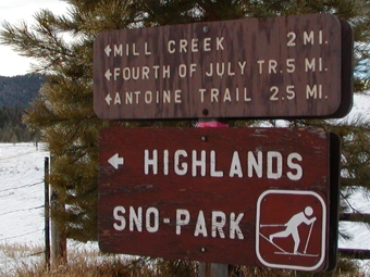 Highland Sno-Park sign for skiing.